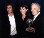 Imo Moszkowicz mit Idan Segev, Hebräische Universität Jerusalem, und Iris Berben bei der Verleihung des Scopus-Awards 2002