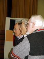 Im März 2006  bei der Besichtigung einer Schülerausstellung des Gymnasiums St. Michael anläßlich der Verleihung der Ehrenbürgerwürde der Stadt Ahlen (© I. Nölle-Hornkamp)