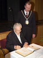 Verleihung der Ehrenbürgerwürde der Stadt Ahlen 2006, mit Bürgermeister Benedikt Ruhmöller